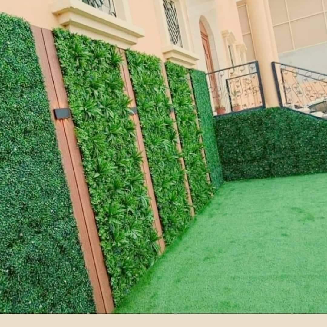 شركة تنسيق حدائق بالدمام ; افضل منسق حدائق لتركيب عشب صناعي وشلالات ونوافير وتكريب نخيل