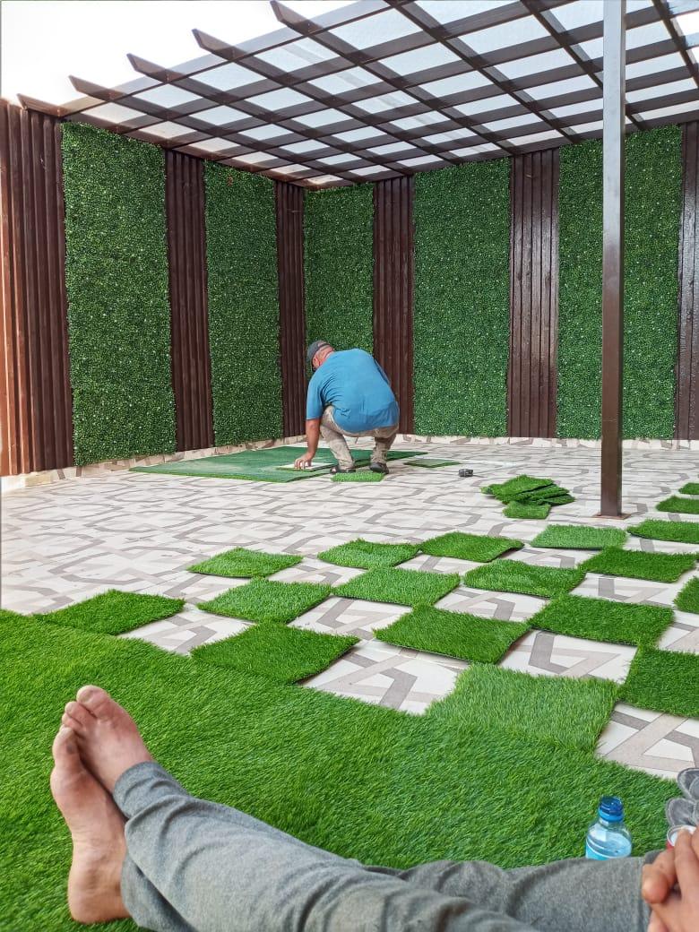 تركيب نجيل بالمدينه المنوره وافضل انواع النجيل الصناعي على يد معلم تركيب عشب